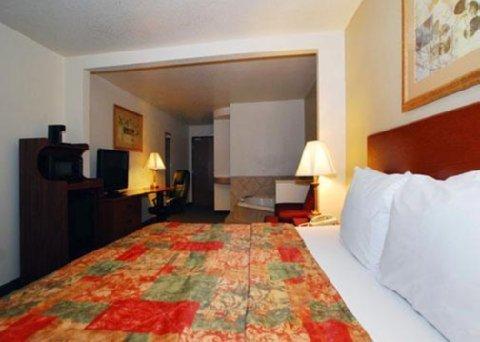 фото Sleep Inn And Suites 487547692