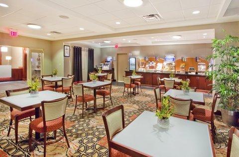 фото Holiday Inn Express Hotel & Suites Atlanta-Cumming 487547991