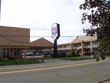 фото Knights Inn, Erie 487549136