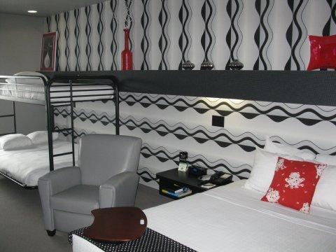 фото Metropolis Resort 487549734