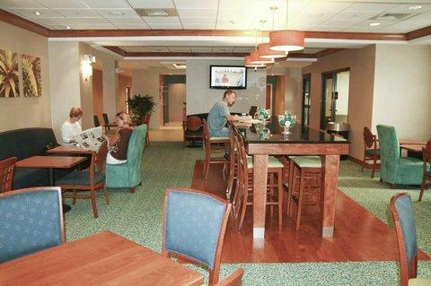 фото Hampton Inn Wilmington University Area 487647656
