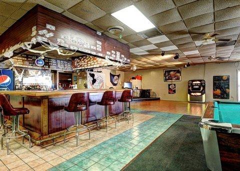 фото Econo Lodge Osceola Hotel 487649187