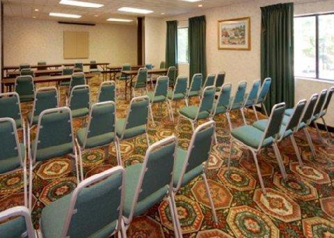 фото Comfort Suites Gwinnett Place 487650096
