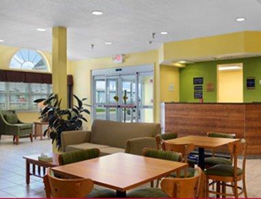 фото Microtel Inn & Suites by Wyndham Delphos 487650630