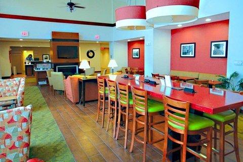 фото Hampton Inn & Suites Tilton 487655839