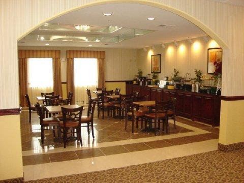 фото La Quinta Inn & Suites Bridgeport 487657101