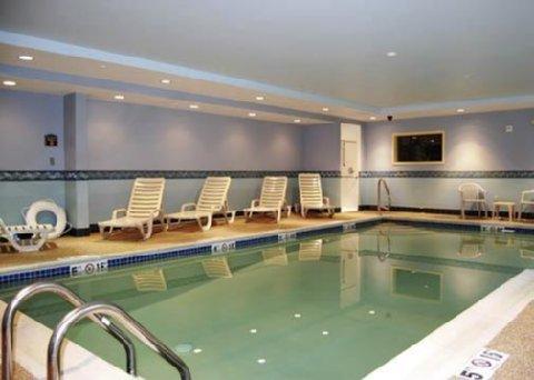 фото Comfort Inn & Suites 487657379