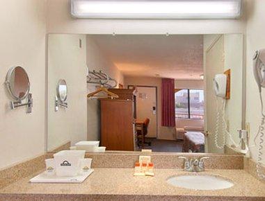фото Days Inn Alhambra 487657448