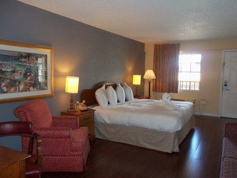 фото Claremont Kissimmee Hotel 487658441