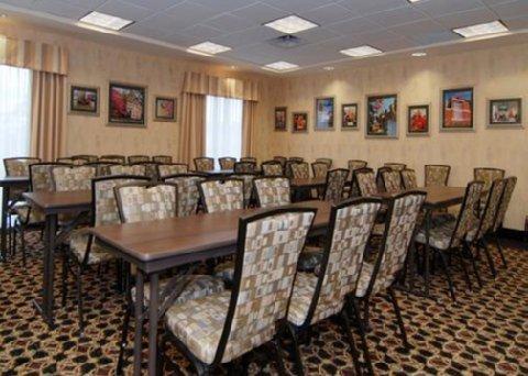 фото Comfort Suites Edinboro 487658715
