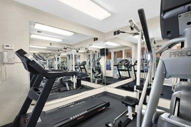 фото Baymont Inn & Suites Concord/Mentor 487659499