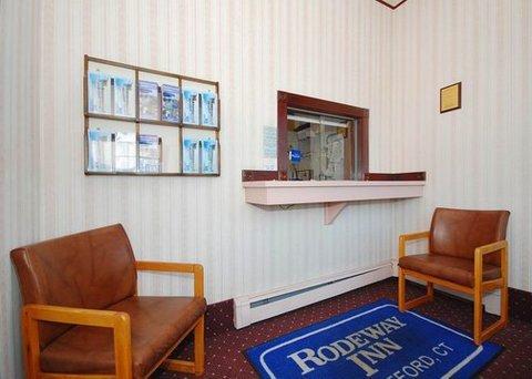 фото Rodeway Inn 487663293