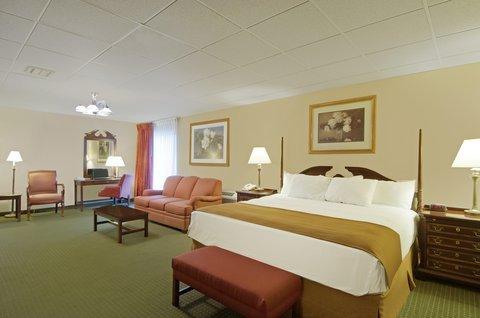 фото Best Western Holiday Manor 487663958