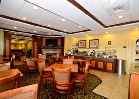фото Comfort Inn And Suites Wilton 487665081