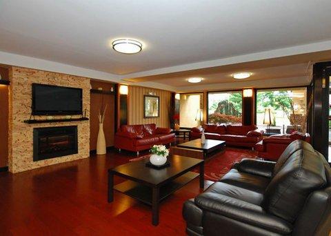 фото Comfort Inn & Suites Tinton Falls 487665722