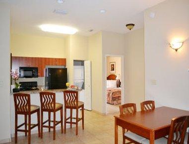 фото Destination Daytona Inn & Suites 487666101