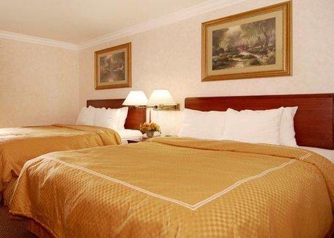 фото Comfort Suites San Clemente Beach 487666292