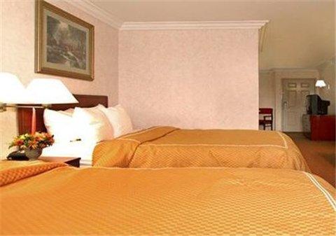 фото Comfort Suites San Clemente Beach 487666293