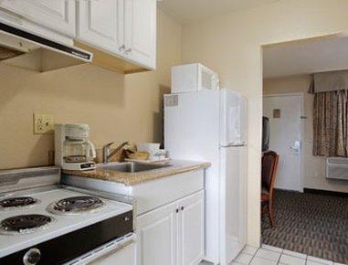 фото Days Inn & Suites San Diego - SDSU 487668582