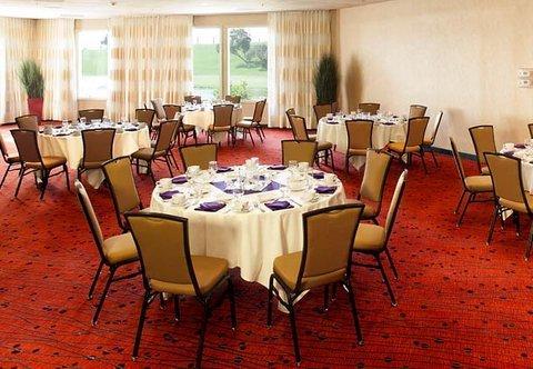 фото Residence Inn Oxnard River Ridge 487670272
