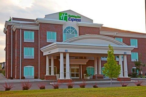 фото Holiday Inn Express Hotel & Suites Lexington Northeast 487674234