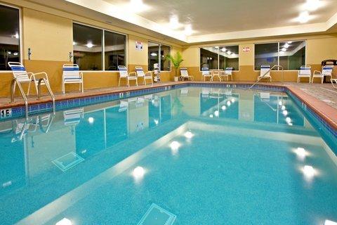 фото Holiday Inn Express Hotel & Suites Lexington Northeast 487674249