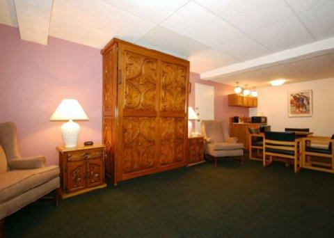 фото Quality Inn Taos 487683600