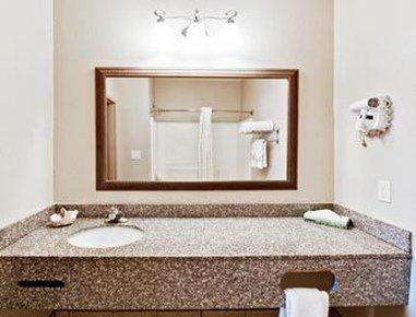 фото Hawthorn Suites by Wyndham Augusta 487685389