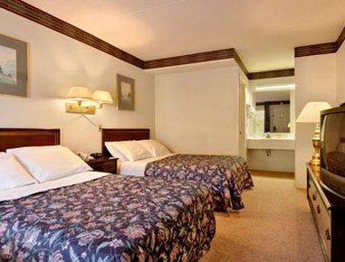 фото Days Inn Fancy Gap 487687240