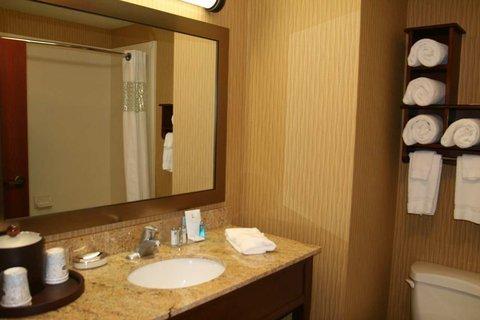 фото Hampton Inn & Suites 487688953