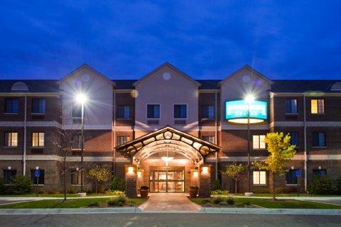 фото Staybridge Suites Lansing - Okemos 487689013