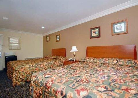 фото Rodeway Inn & Suites Anaheim 487692133