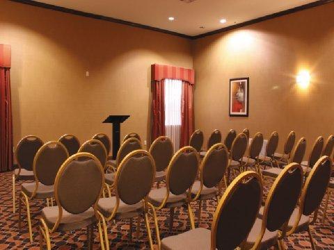 фото La Quinta Inn & Suites DeSoto 487696273