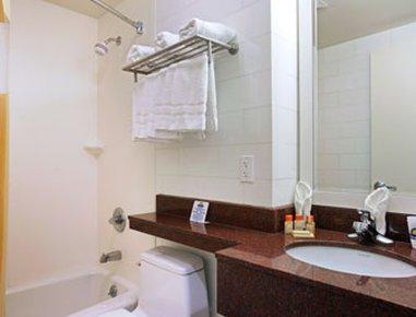 фото Days Inn Yankee Stadium 487698668