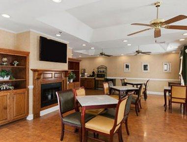 фото Baymont Inn & Suites - Henderson 487701339