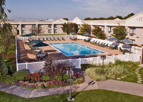 фото Holiday Inn Long Island-Islip Airport 487707232