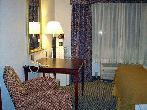 фото Holiday Inn Express Elkhart North - I-80/90 Exit 92 487707567
