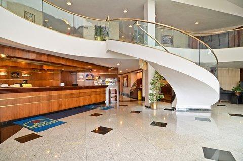 фото Best Hospitality Inn Kalamazoo 487707783