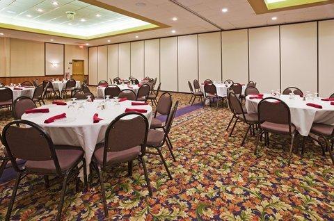 фото Holiday Inn Willmar Conference Center 487707862