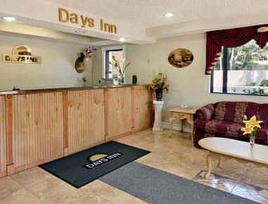 фото Days Inn Daytona Beach 487707950