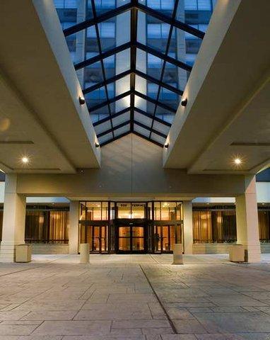 фото Hilton Hasbrouck Heights-Meadowlands 487709204