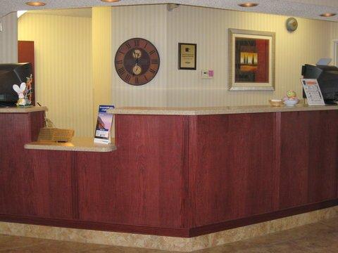 фото Holiday Inn Express Rensselaer 487709762