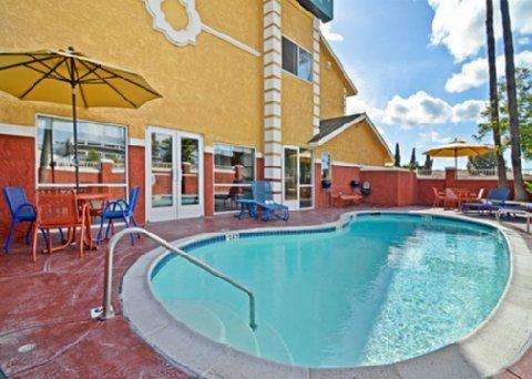 фото Quality Inn I-15 Miramar 487711757