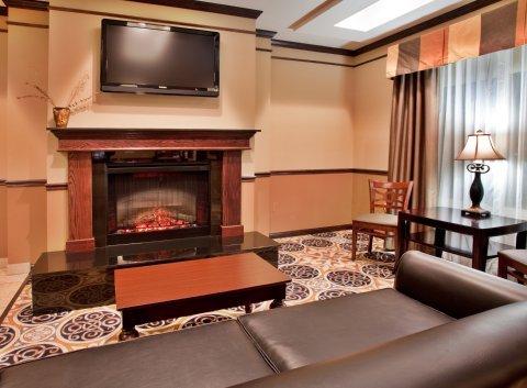 фото Holiday Inn Express Hotel & Suites Sedalia 487714920