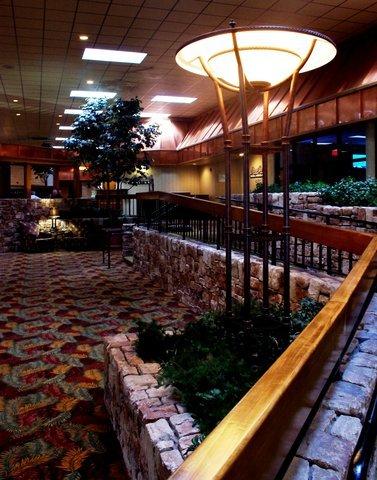 фото Holiday Inn Joplin 487718939