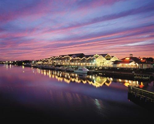 фото Holiday Inn Hotel & Suites Harbourside 487719395