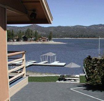 фото Big Bear Lakefront Lodge 487722821
