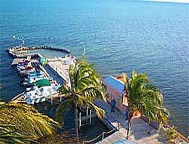 фото Days Inn Islamorada Oceanfront Resort 487724387