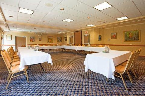 фото Holiday Inn Express & Suites Saint Croix Falls 487725381