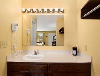 фото Baymont Inn & Suites - Orangeburg 487728541
